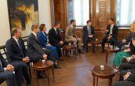 الرئيس الأسد لوفد روسي: العدوان الثلاثي على سورية ترافق مع حملة من التضليل والأكاذيب في مجلس الأمن من قبل نفس دول العدوان ضد سورية وروسيا