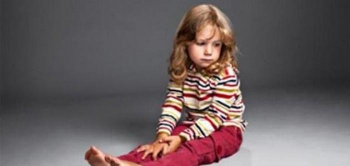 التوحد .. عندما يرفض الطفل لمس أمه