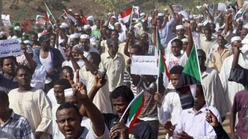 السودان يفرج عن 11 صحفيًا اعتقلوا على خلفية الاحتجاجات