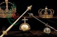 العثور على تاجين رصّعين باللؤلؤ للملك كارل التاسع وزوجته كريستينا بـ7 ملايين دولار في القمامة