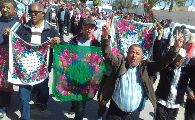 المزارعات في تونس يُطعمن المجتمع ويَمُتن تحت عجلات