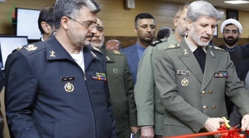 عرض 10 منظومات إيرانية للاستطلاع الجوي والبحري
