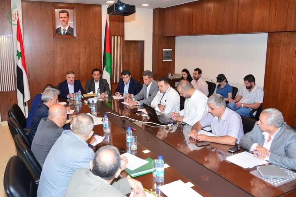 لجنة متابعة تنفيذ المشاريع الخدمية والتنموية تعقد اجتماعها برئاسة وزير الكهرباء و محافظ دمشق و مدراء الأجهزة المركزية والمحلية