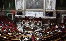 فرنسا تفرض ضرائب على عمالقة الإنترنت