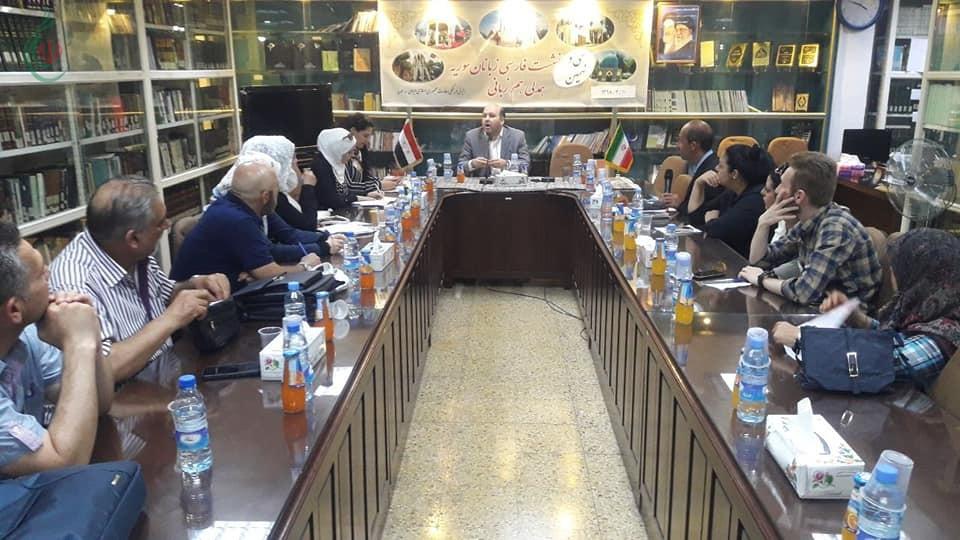 محبو اللغة الفارسية يتحدثون عن جمال مدينة