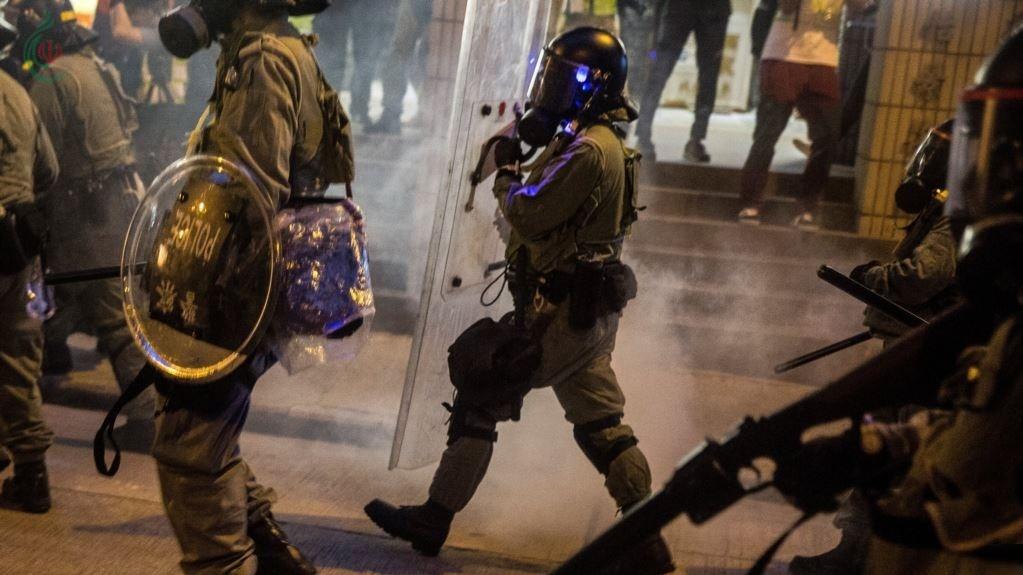 تظاهرات هونغ كونغ .. الصين غاضبة ودعوات شعبية للإضراب الاثنين