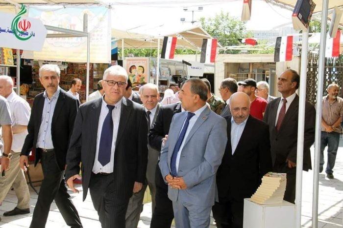 اللواء محمد الشعار يزور معرض الكتاب