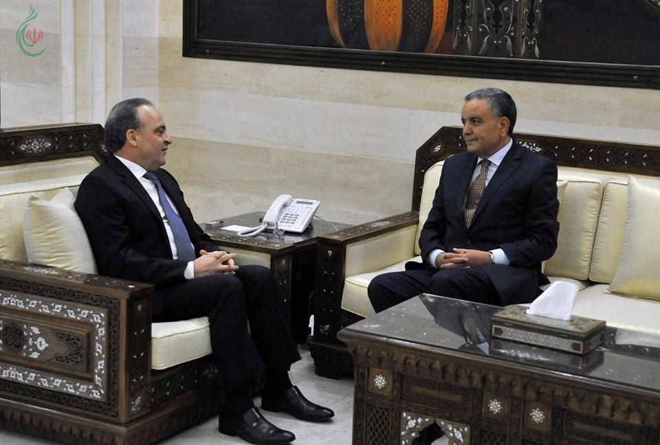 رئيس مجلس الوزراء السوري يلتقي السفير الجزائري بدمشق صالح بوشه بمناسبة انتهاء مهامه سفيراً لبلاده
