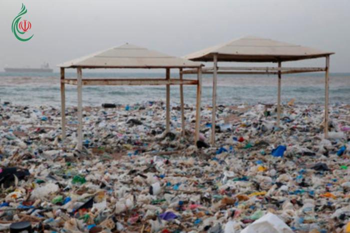 أزمة النفايات في لبنان .. البحث عن الحل مازال مستمراً منذ سنوات