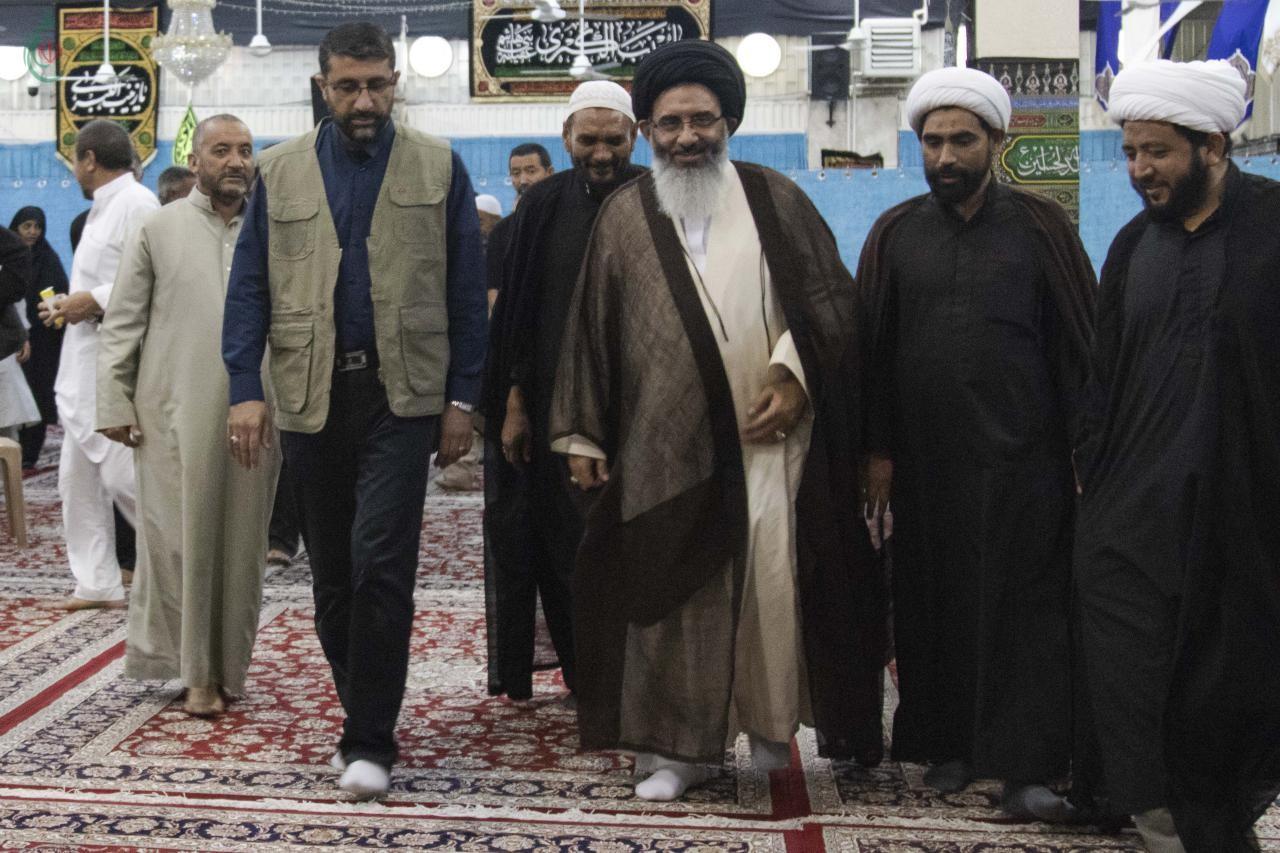 ممثل الإمام الخامنئي يلتقي بعدد من الزوار الهنود لعقيلة بني هاشم عليها السلام