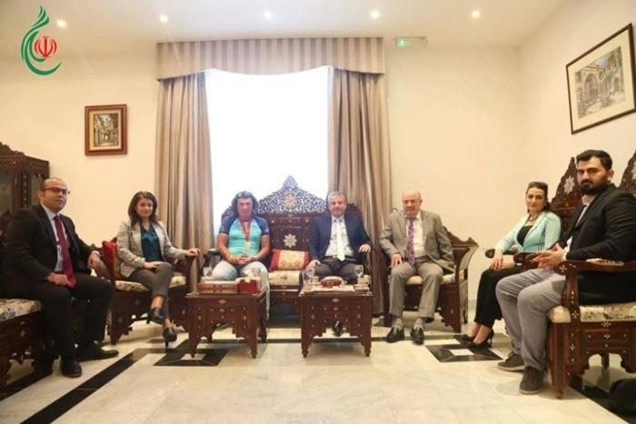 السفير السوري في سلطنة عُمان بسام الخطيب يستفبل البطل عماد بركات