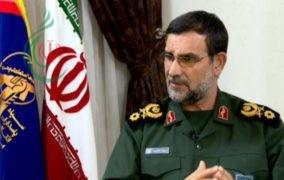 قائد القوة البحرية لحرس الثورة الإسلامية يعلن عن تصميم وبناء سفن حاملة للمروحيات