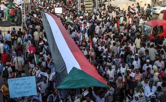 غضب شعبي في السودان من أطماع الإمارات بموانئ البلاد