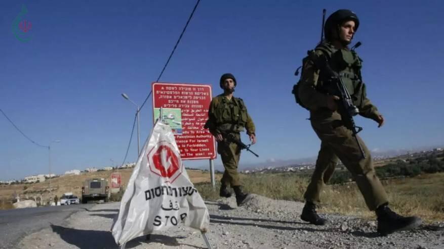 لائحة اتهام لجندي إسرائيلي نصب حاجزاً وهميًا واعتقل فلسطينيين وسرق مركبتهم