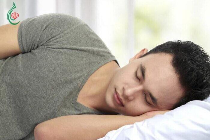 12 نصية للحفاظ على برودة الجسم أثناء النوم دون مكيف