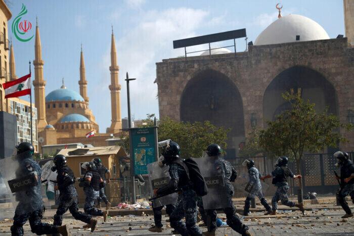 اشتباكات بين متظاهرين وقوى الأمن في محيط البرلمان وسط بيروت احتجاجا على انفجار المرفأ