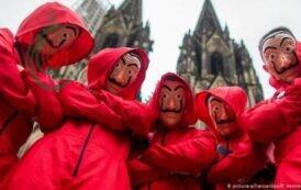 ستة لصوص يسرقون بنكاً في إيطالياً بسيناريو هوليوودي
