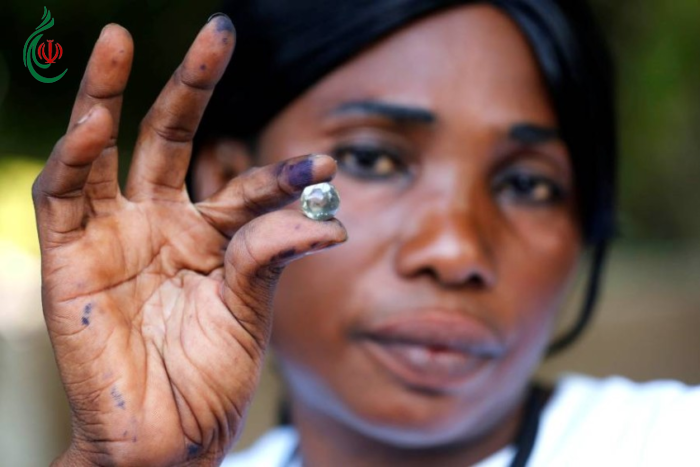 غامبيا .. كرات زجاجية تحدد مصير الحاكم