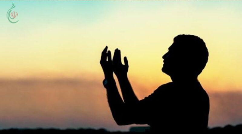 لماذا يوصي الله عباده بالدعاء ..؟ وما هي آثار الدعاء علي العباد ..؟