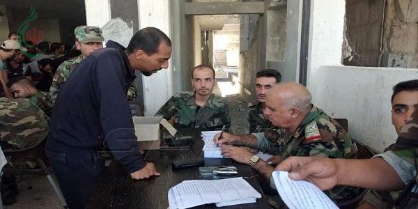 تنفيذاً لاتفاق التسوية الذي طرحته الدولة السورية .. استمرار تسليم السلاح وتسوية أوضاع عشرات المسلحين من درعا البلد